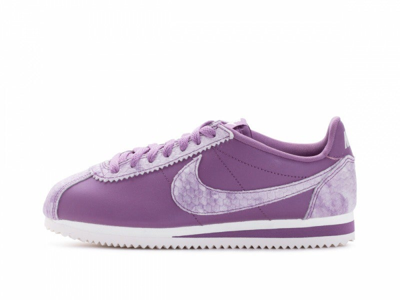 Nike Womens Classic Cortez Prem Low Top Lace Up Running Sneaker US