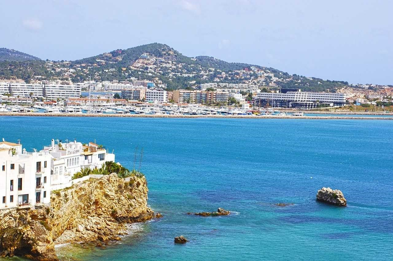 Visiting Ibiza: When is the best time and Why?